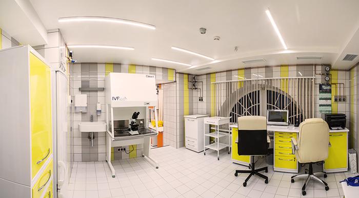Одна из лаборатория в клинике