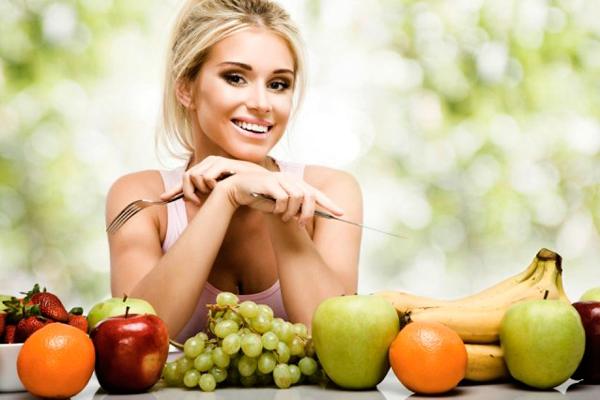 Здоровый образ жизни девушки способствует нормализации репродуктивного здоровья и естественной беременности