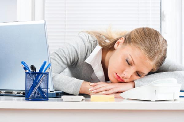 Сонливость - один из первых признаков беременности