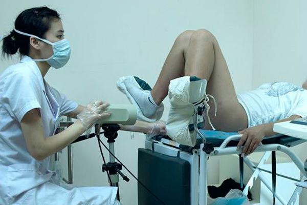 Порно японские студентки у гинеколога порно видео