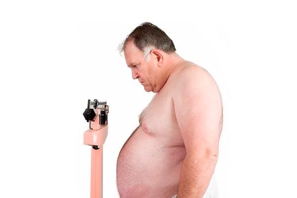 Низкая продолжительность жизни сперматозоидов из-за лишнего веса и немолодого возраста