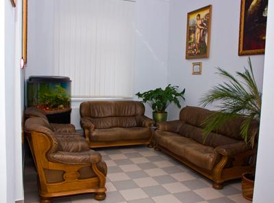 Холл в Черновицком центре репродукции человека