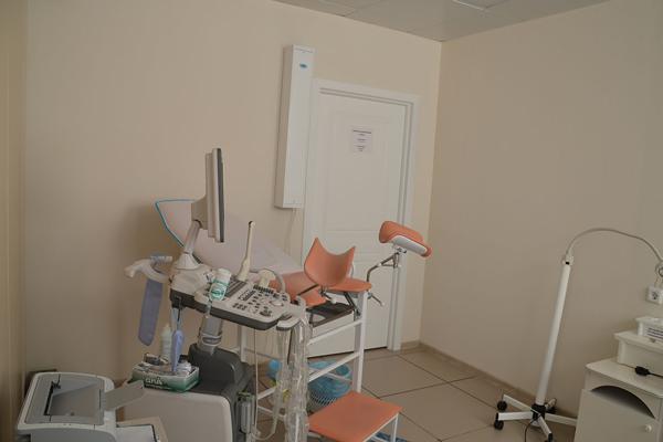 Кабинет гинеколога в Сибирском институте репродукции и генетики человека (Барнаул)