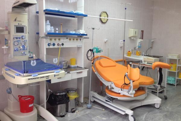 Операционная родового отделения в республиканском перинатальном центре Коми