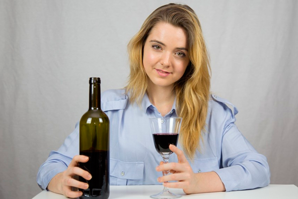Низкое количество антральных фолликулов из-за злоупотребления алкоголем