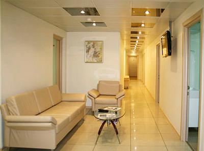 Холл в клинике репродуктивной медицины «ИнТайм» (Москва)