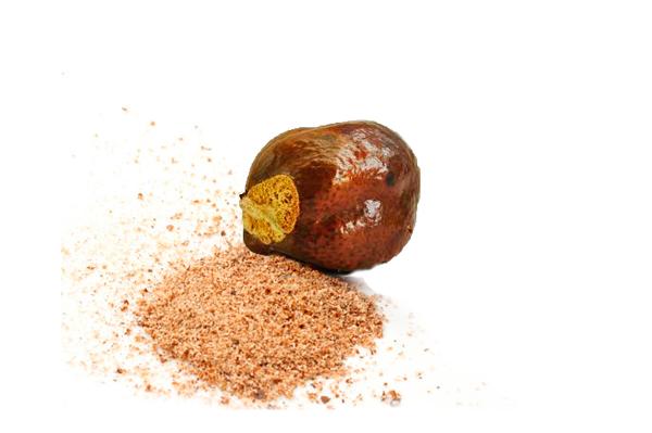 Измельчение ореха мохилхин для приготовления настоя