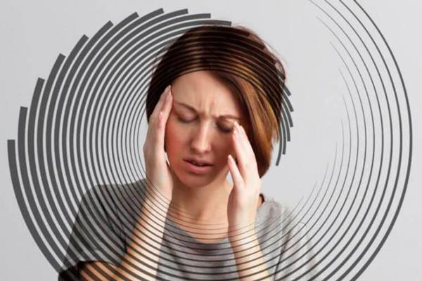 Головокружение, как один из возможных побочных эффектов препарата Фолацин