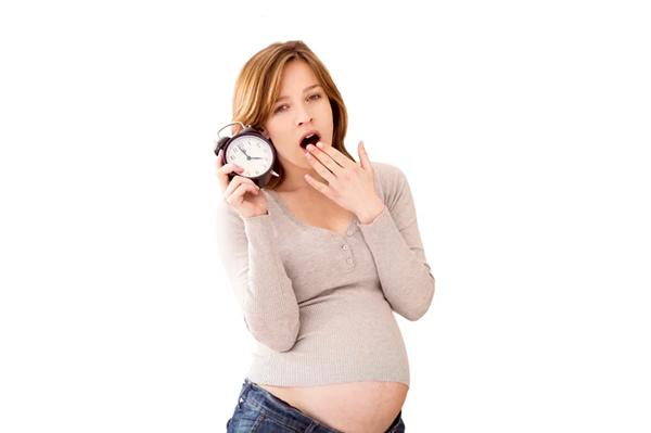 Сонливость, как одно из побочных явлений от отвара ромашки при беременности
